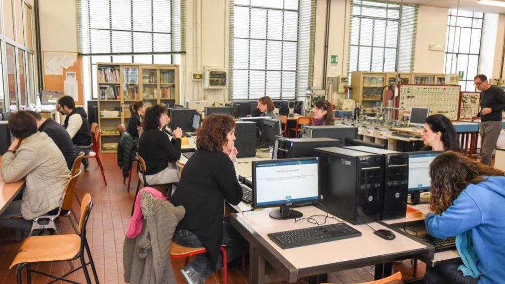 Prove suppletive anche per laureati non abilitati ma resta esclusa immissione con riserva nella graduatoria