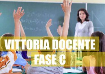 """NUOVA VITTORIA PER LO STUDIO LEGALE DEL CENTRO STUDI ULISSE: DOCENTE SALERNITANA TORNA A CASA DOPO LA DISFATTA  """"FASE C""""."""